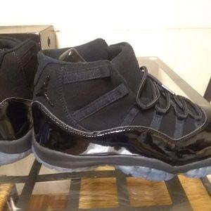 Air Jordan 11 Cap and Gown men's size 12